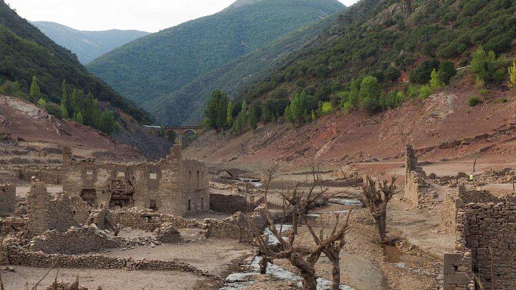 efectos de sequía en pantano de Aguilar (España)